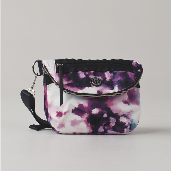 lululemon athletica Handbags - Lululemon Blooming Pixie Festival Bag
